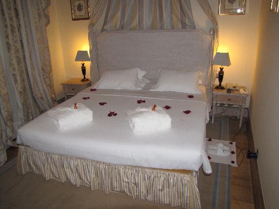 Hotel Real Palacio : Honeymoon preparation... great surprise!