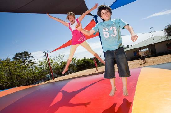NRMA Merimbula Beach Resort and Holiday Park: Jumping Pillow