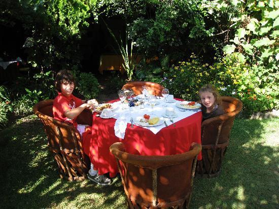 Villa Ganz: breakfast w kids