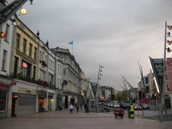 St Patrick Street: La rue St-Patrick, dans le centre-ville de Cork.
