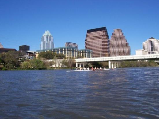 Vista de la ciudad desde el lago Town Lake: fotografía de Austin ...
