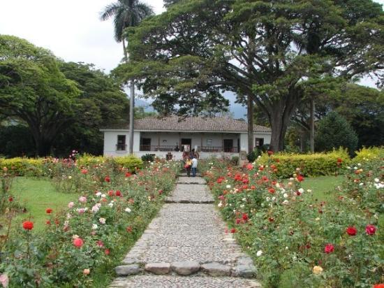 Cali, Colombia: Sábado 18 de julio Hacienda del Paraíso: casa de Efraín y María, los protagonistas de la novela