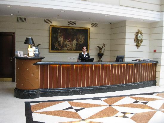 Kempinski Hotel Moika 22: Lobby