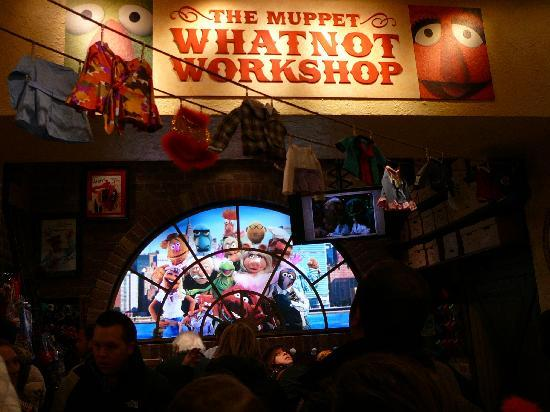 FAO Schwarz: Muppet Whatnot Workshop at F.A.O. Schwarz NY