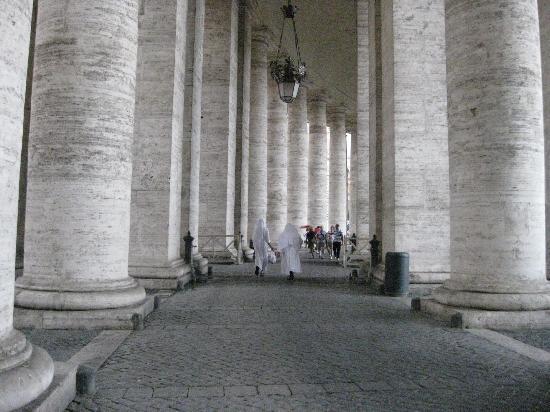 Through Eternity Cultural Association: St. Peter Square
