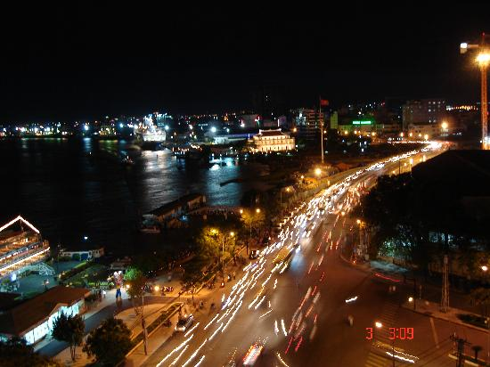 Beautiful Saigon Hotel: Saigon river at night