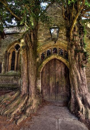 "Ray Ruddick's Day and Away Tours : ""Stow on the Wold"" in Cotswolds England"