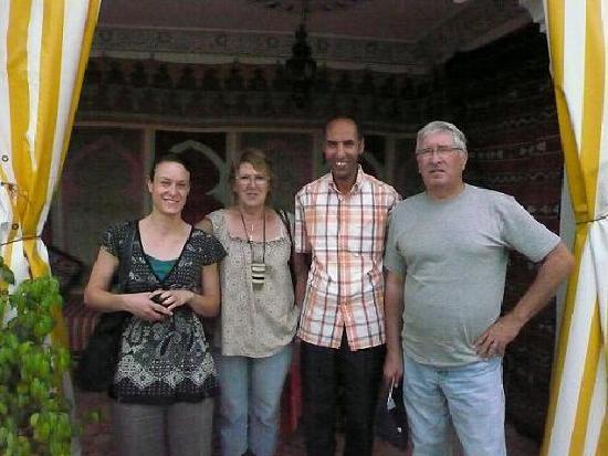 Riad Idrissi : Abdel et des amis