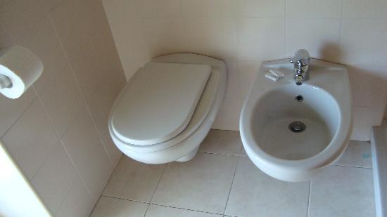 Rifugio Sora Casari : bagno
