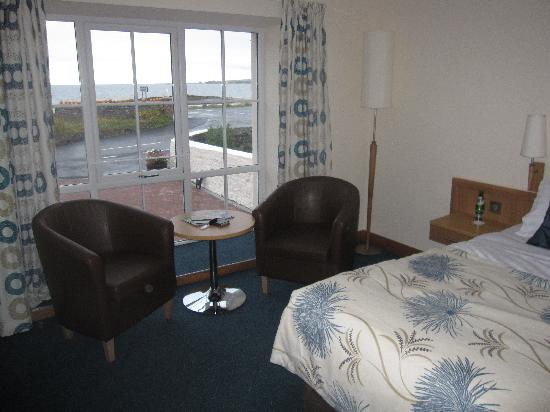 Woodland Bay Hotel: great room, beautiful view