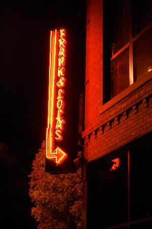 Bartlesville, Οκλαχόμα: FnLs sign on a nice fall night