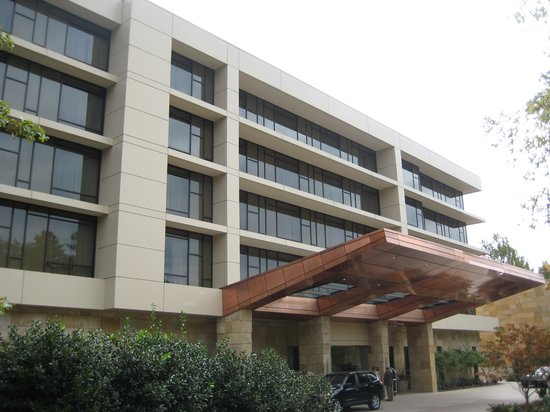 The Umstead Hotel and Spa: Hotel Exterior 2