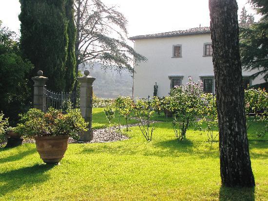 Villa Poggio ai Merli: Front of The Villa