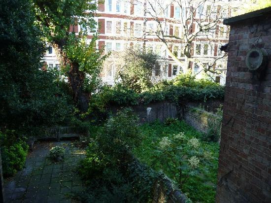 Regency House Hotel: Le jardin (chambre 9)