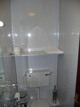 Regency House Hotel: La salle de bain