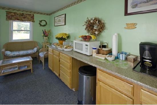 Americas Best Value Inn-Scarborough/Portland: Breakfast Room