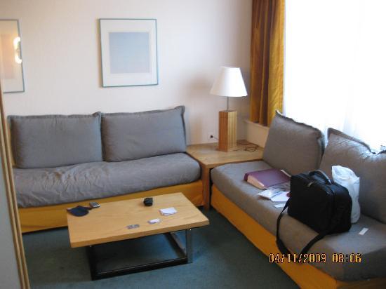 Aparthotel Adagio Paris XV: convertible settees in 722