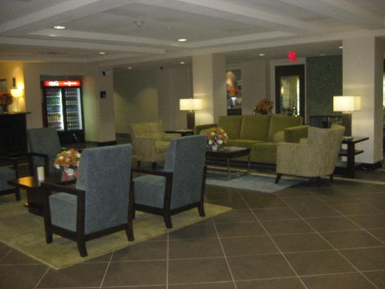 Holiday Inn Express Hotel & Suites Picayune: Lobby