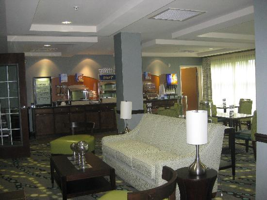 Holiday Inn Express Hotel & Suites Picayune: Breakfast Room