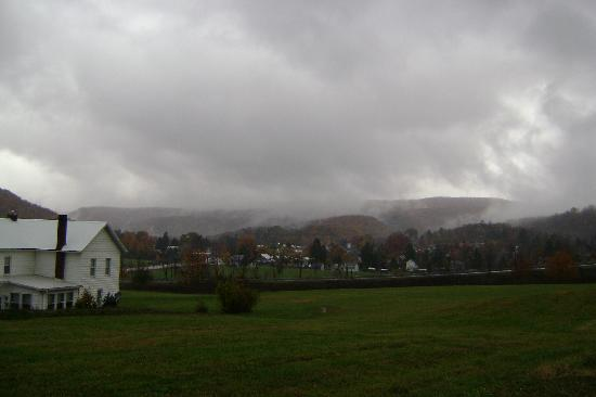 Friendsville early on a rainy morning