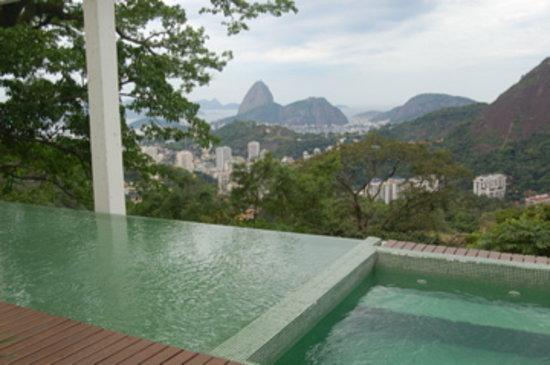 Altos de Santa Teresa: view from the dipping pool
