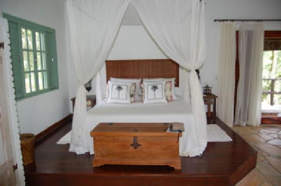Pousada Bromelias: bed