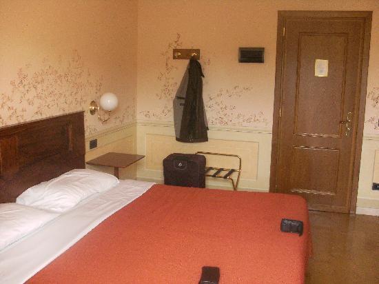 هوتل سان لوكا: Bedroom