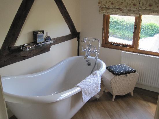 Little Acre Bed & Breakfast: Bathroom