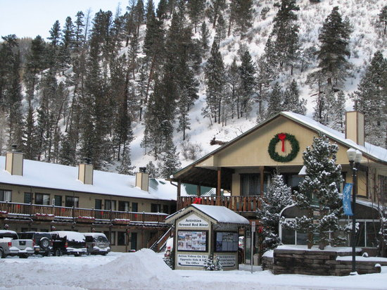 Red River, NM: Ponderosa Lodge