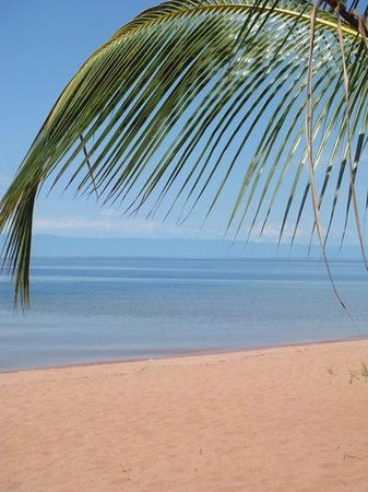 Jakobsen's Beach and Guesthouse: Bilharzia-free freshwater beach
