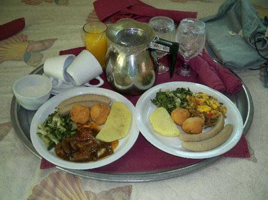 Medallion Hall Hotel: national breakfast $6 us