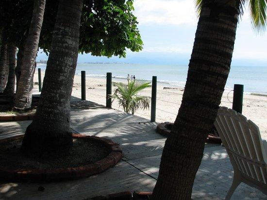 Casa de los Monos : Beach, just outside the castle wall