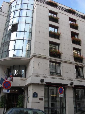 De Vigny Hotel: Hôtel vue rue