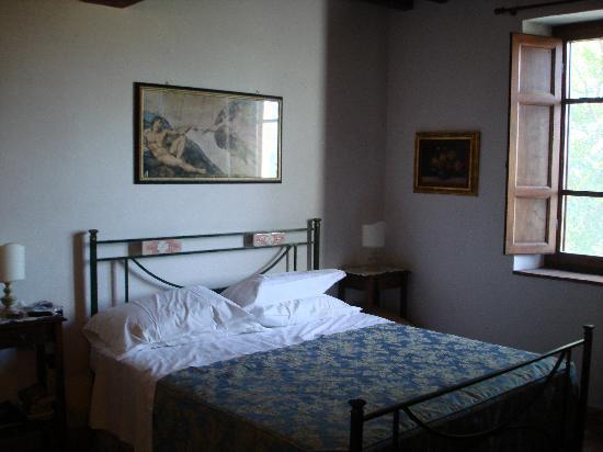 Hotel Vecchio Asilo: Cypress Room #6