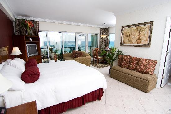 Sea Lord Hotel & Suites: Oceanfront King Suite #03