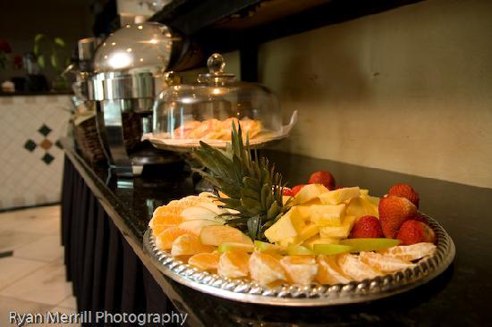 Sea Lord Hotel & Suites : Continental Breakfast (included)