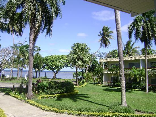 Bedarra Beach Inn: front step view
