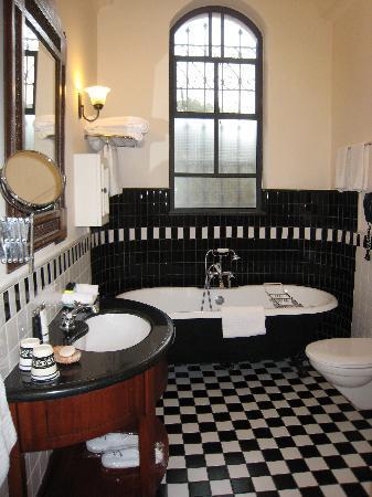 The American Colony Hotel : Pasha suite bath