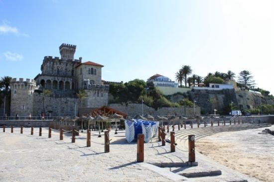 Tamariz Beach: a castle owned by the royal family of Monaco