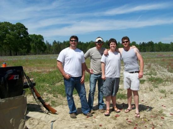 Walterboro, Carolina del Sud: My brothers' friend, Caleb, me, and Josh