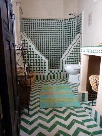 Riad Saba: Nice bathroom