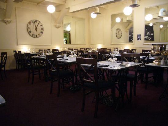 Oquendo : salón comedor
