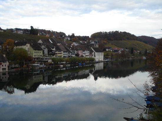 Eglisau: borgo storico sul Reno.