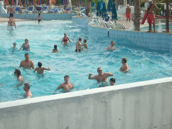 Atlantica Aeneas Hotel: Waterworld wave pool