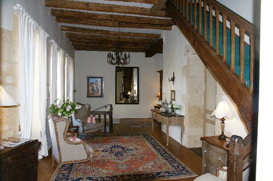 Le Prieure du Chateau de Biron : second floor foyer