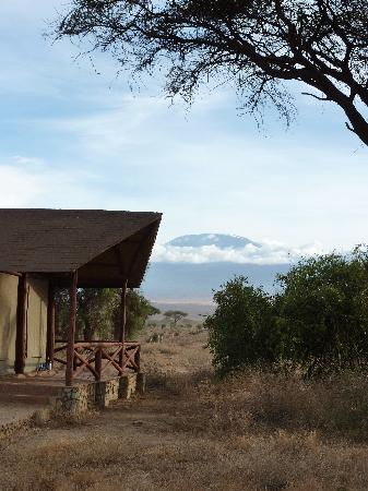 Kilima Safari Camp: Our tent with fantastic view