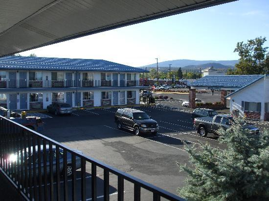 Super 8 Susanville: view from room