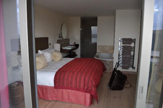 The Scarlet Hotel: Generous Room