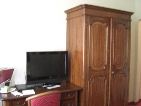 König Ludwig II: bedroom, view 2
