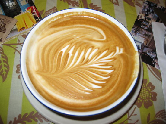 Sweet Laurette Cafe and Bistro: Latte